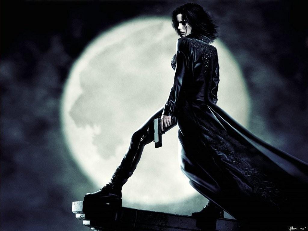 selene_underworld_kate_beckinsale_underworld_vampires_1024x768_wallpaper-153752