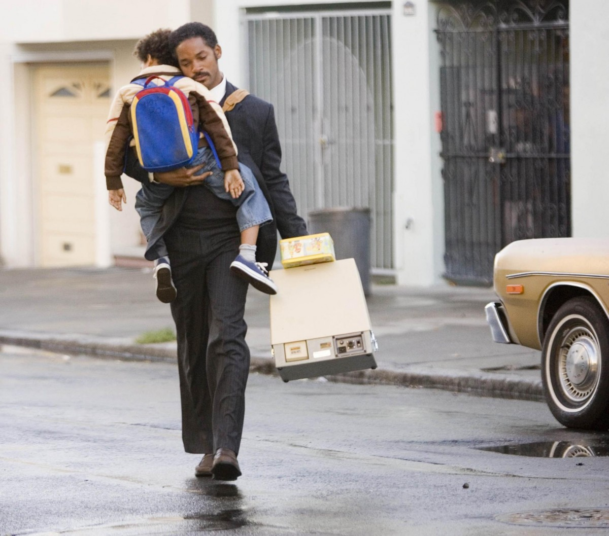 still-of-will-smith-and-jaden-smith-in-the-pursuit-of-happyness-large-picture