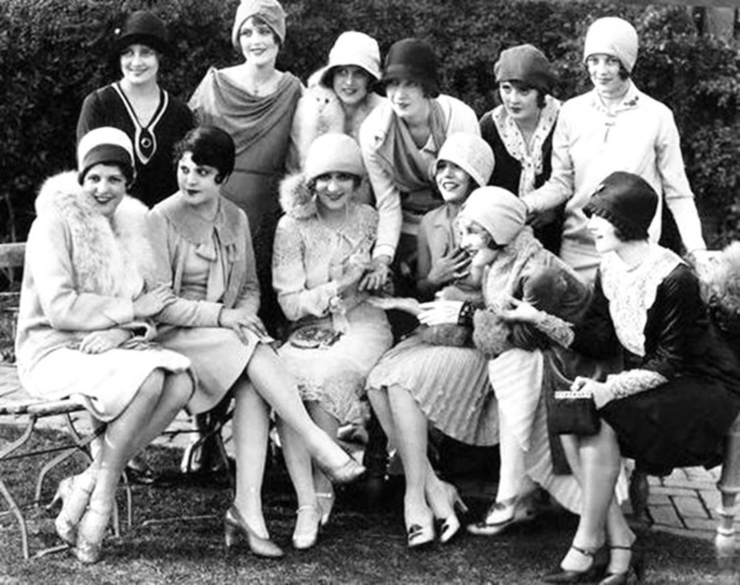af40b93d816b Flappers: τα fashion icons της δεκαετίας του 1920 - Frapress