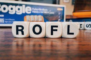 Slang 101: Ιντερνετικά ακρώνυμα που πρέπει να ξέρεις