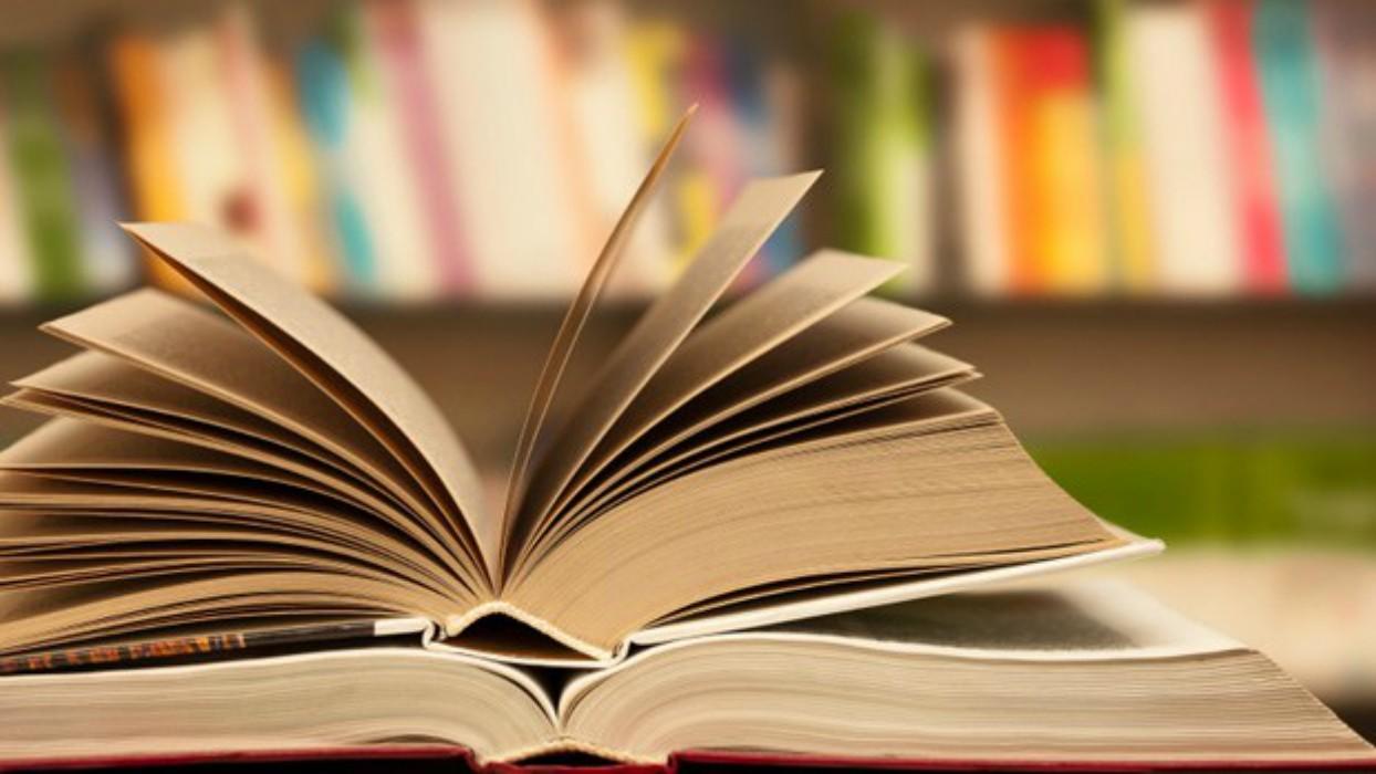 Πιο εγκάρδιοι και φιλικοί όσοι διαβάζουν βιβλία!
