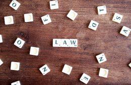 περίεργοι νόμοι