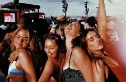 10 τύποι κοριτσιών που θα βρεις σε μία φοιτητική παρέα