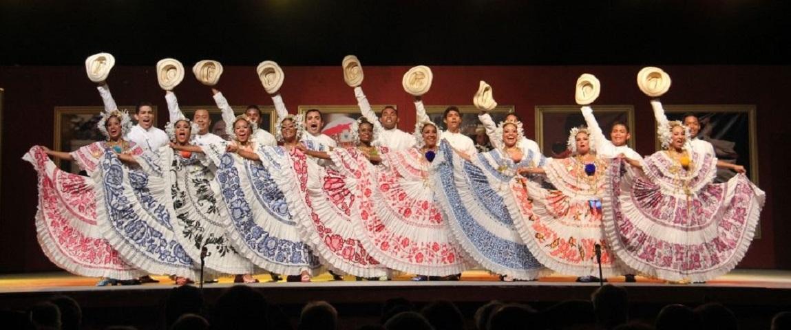 Διεθνές Φεστιβάλ Φολκλόρ Λευκάδας: Κάθε Αύγουστο κάτι πολύ όμορφο συμβαίνει στη Λευκάδα