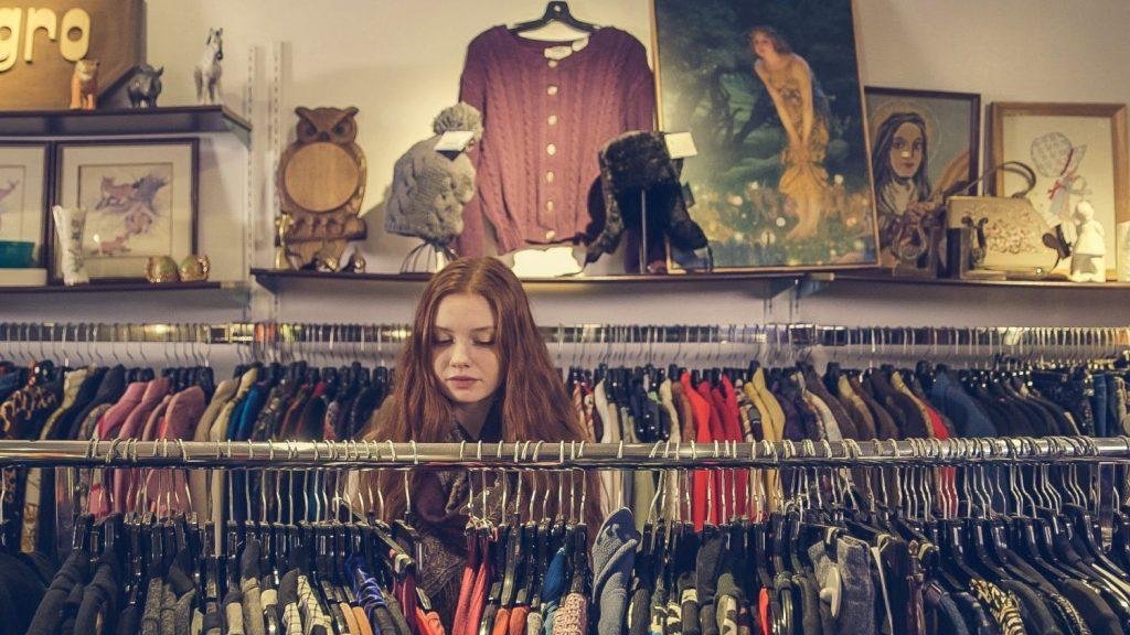 Thrifting: 5 must tips για να αγοράζεις σωστά τα μεταχειρισμένα ρούχα σου