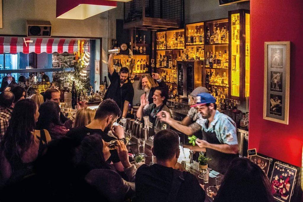 Πιες σαν άρχοντας στα 9 καλύτερα cocktail bars στην Αθήνα