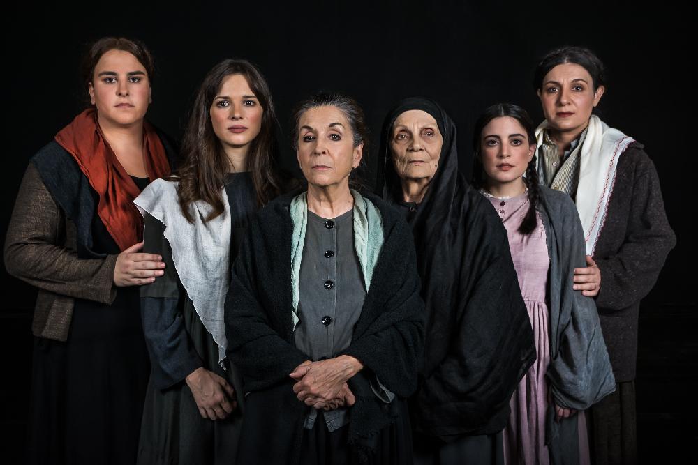 Γυναίκες του Παπαδιαμάντη»  Μία εξαιρετική παράσταση με μοναδικές ... c17bcd7cfbe
